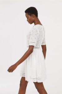 beyaz islemeli dantel elbise